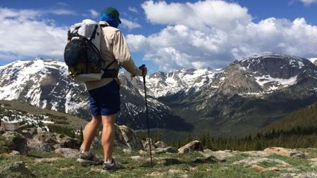 Equipamiento de montaña que no te puede faltar
