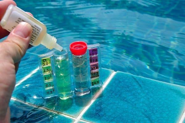 ¿Cómo realizar el mantenimiento de una piscina?